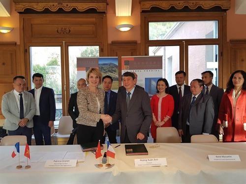 베트남, 프랑스 세계 지질공원 보존 및 개발 협력 - ảnh 1