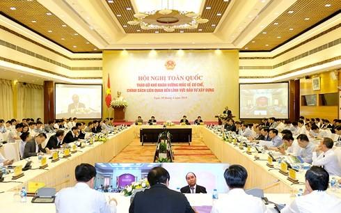응 웬 쑤언 푹 (Nguyen Xuan Phuc) 총리 건설투자에 애로사항 해결책 회의 주재 - ảnh 2