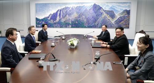 2018년 남북 정상, 양측 지도자 정식 회담 시작 - ảnh 1