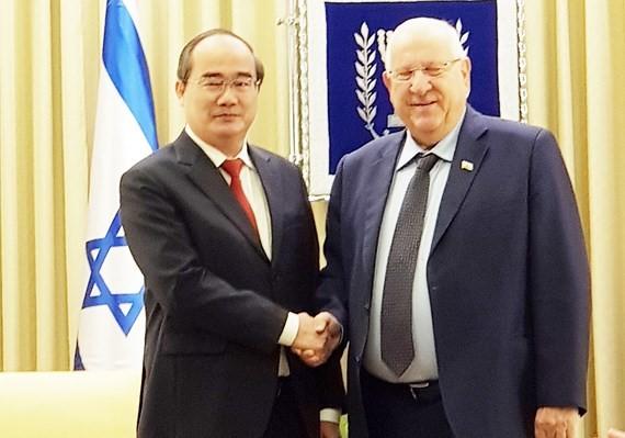 호치민시  Nguyen Thien Nhan 서기장 이스라엘 대통령 회견 - ảnh 1