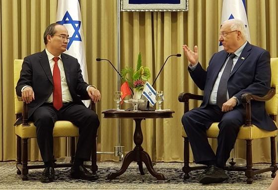 호치민시  Nguyen Thien Nhan 서기장 이스라엘 대통령 회견 - ảnh 2