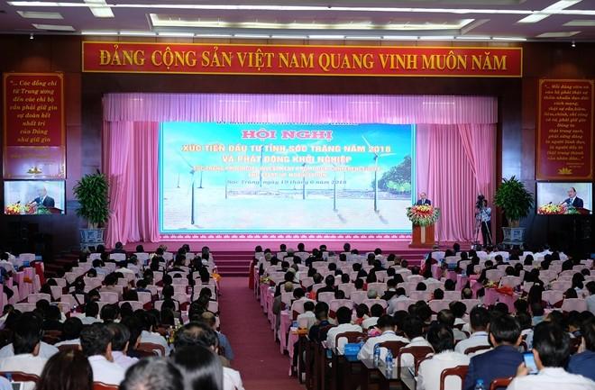 응원 쑤언 푹 (Nguyen Xuan Phuc)총리 Soc Trang성 핵심 지도자와 면담 - ảnh 2