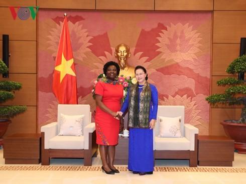 국회의장, Victoria Kwakwa 동아 – 태평양 지역 담당 세계 은행 부총재 접견 - ảnh 1