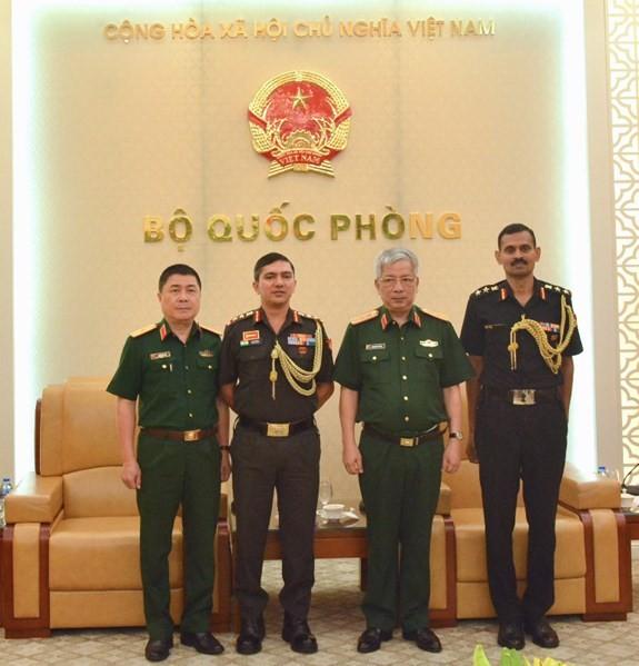 Nguyen Chi Vinh상장, 인도 및 이스라엘 국방 수행관 접견 - ảnh 1