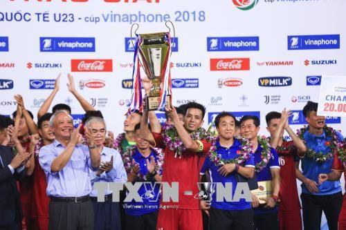2018년 ASIAD : 베트남 U23 정식적으로 2018년 U23국제 축구 대회 2018 VinaPhone컵에서 챔피언 얻어 - ảnh 1