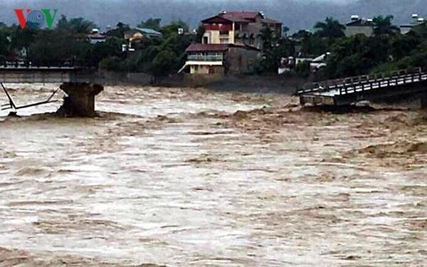 폭우 피해 국도, 기본적 소통 - ảnh 1