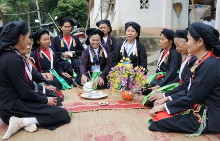 썽꼬(Soong Co) 민요: San Diu소수민족의 특색 - ảnh 1