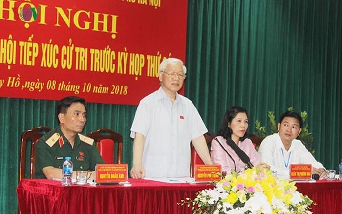 응우엔 푸 쫑 서기장, 하노이 선거인들 접촉 - ảnh 1