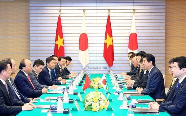 베트남과 일본, 계속 심층적으로 전략 파트너관계 촉진 - ảnh 1