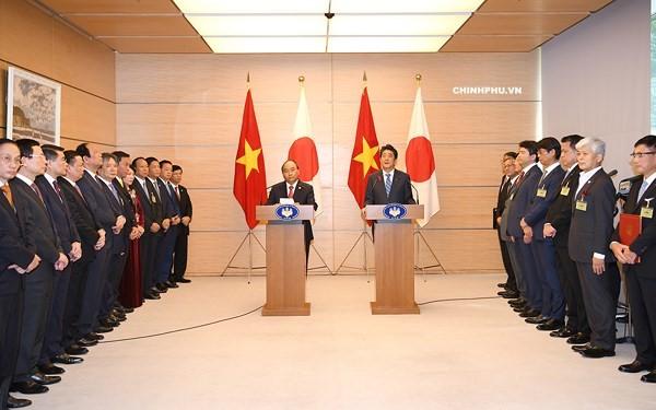 베트남과 일본, 계속 심층적으로 전략 파트너관계 촉진 - ảnh 3
