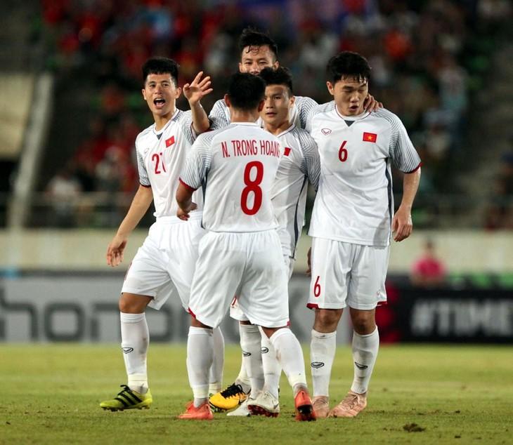 2018년AFF Suzuki Cup : 대 라오스 경기3-0 승리로  베트남 팀에 유리한 출발 - ảnh 1