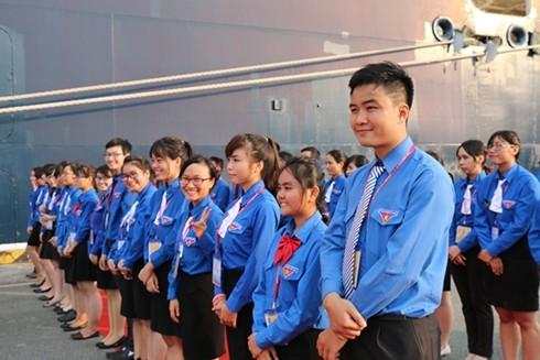 베트남 청년, 동남아-일본 청년 문화교류선 대표들과 문화 교류  - ảnh 1