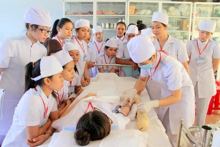 아시아 개발 은행, 베트남 보건 사업 향상을 위해 8천만 달러 차관 - ảnh 1