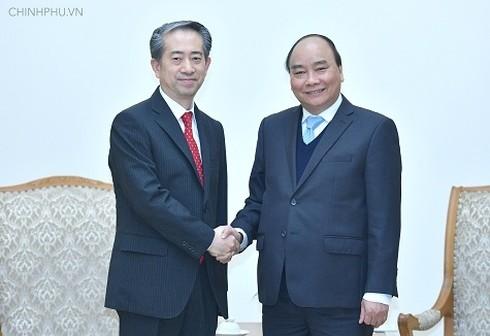 Nguyen Xuan Phuc총리, 중국대사들 접견 - ảnh 1
