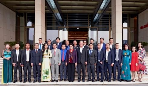 Nguyễn Thị Kim Ngân (응우옌 티 낌 응언) 국회의장,  청년 경영인 회견 - ảnh 2
