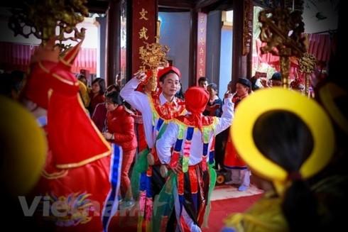하노이 문화 유산 Trieu Khuc마을 축제 및 Me Tri 꼼 공예마을이 국가무형문화유산 목록에 올랐다. - ảnh 1