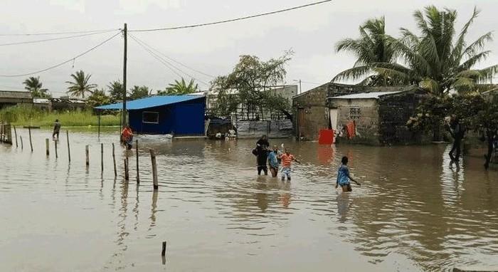 Idai 태풍 : 모잠비크에서 홍수 속에 고립된 15,000명 - ảnh 1