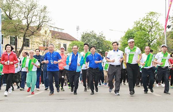 전국, 국민 건강을 위한 올림픽 달리기 날 개최 - ảnh 1