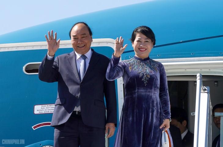 응우옌 쑤언 푹 총리, 프라하 도착, 체코공화국 공식 방문 시작 - ảnh 1