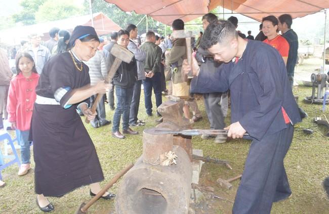 까오방 (Cao Bằng)성 눙안 (Nùng An) 사람들의 담금질 공예 - ảnh 2