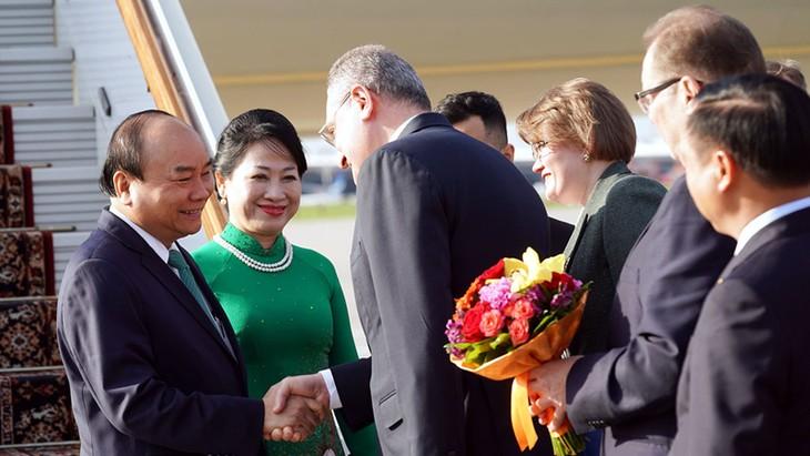 러시아 모스크바에서  응우옌 쑤언 푹 (Nguyễn Xuân Phúc) 총리 공식 환영식 - ảnh 1
