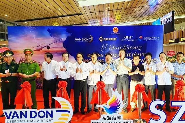 꽝닌 (Quảng Ninh) 번돈 (Vân Đồn) 국제공항, 첫 국제 항공편 맞이  - ảnh 1