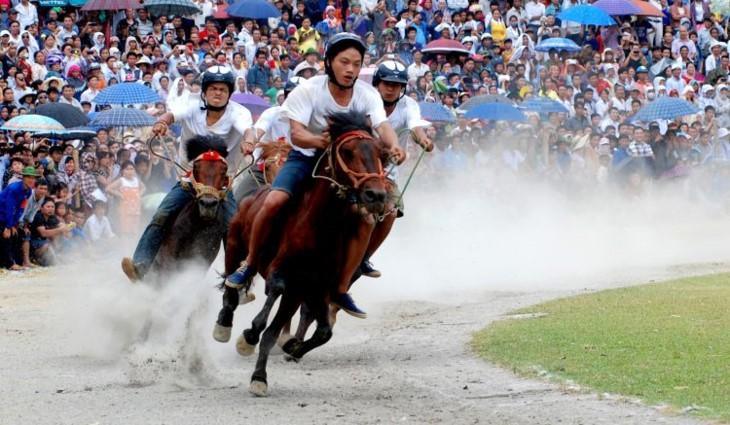 라오 까이, 박하 (Bắc Hà) 백색고원' 축제 준비 - ảnh 1