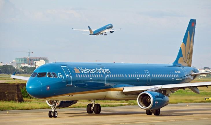 스카이트랙스(skytrax), 베트남 항공사 (Vietnam Airlines)에게  4년 연속으로 4성급 국제 항공사 인증서를 전달하였다. - ảnh 1