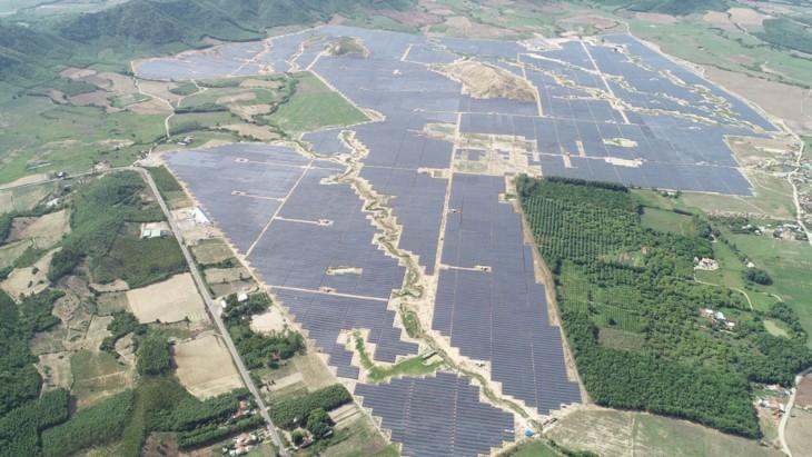 푸 옌 (Phú Yên)성, 중부 최대규모의 태양광 발전소 열어  - ảnh 1