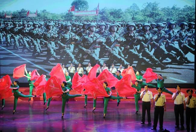 제1 지역 2019년 9차 군대-청년-학생-민중 예술축제 개막  - ảnh 1