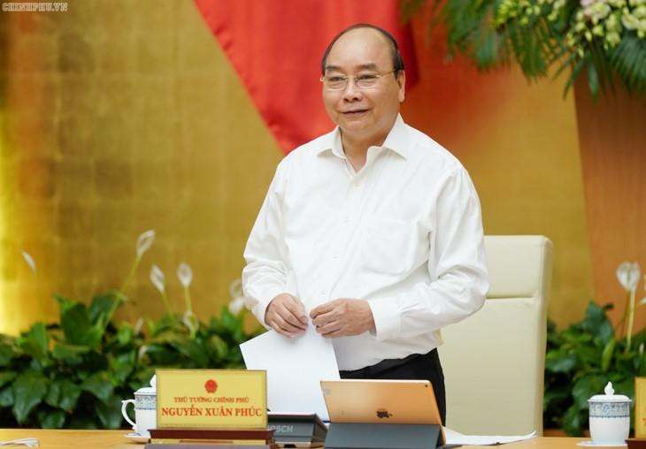 응우옌 쑤언 푹 (Nguyễn Xuân Phúc) 총리, 정부 정기회의 결론 - ảnh 1