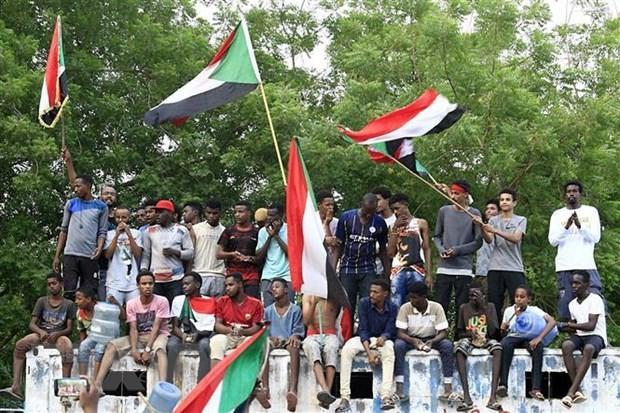 수단 군부, 야권과 제헌 선언에 서명 - ảnh 1