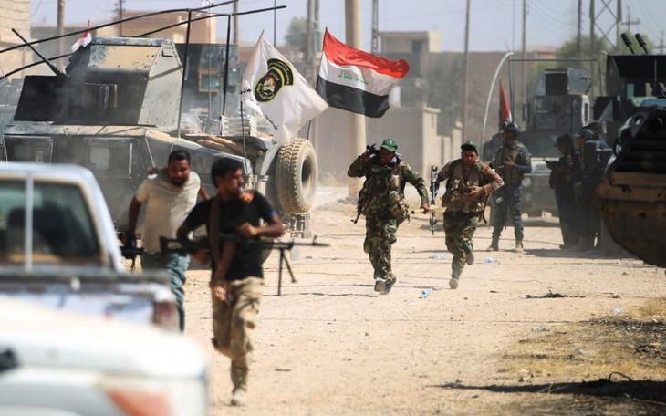 Irak : les forces armées reprennent le centre de Tal Afar à Daech - ảnh 1