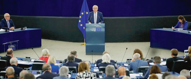 Le « capitaine Juncker » guide l'UE vers de nouveaux horizons - ảnh 1
