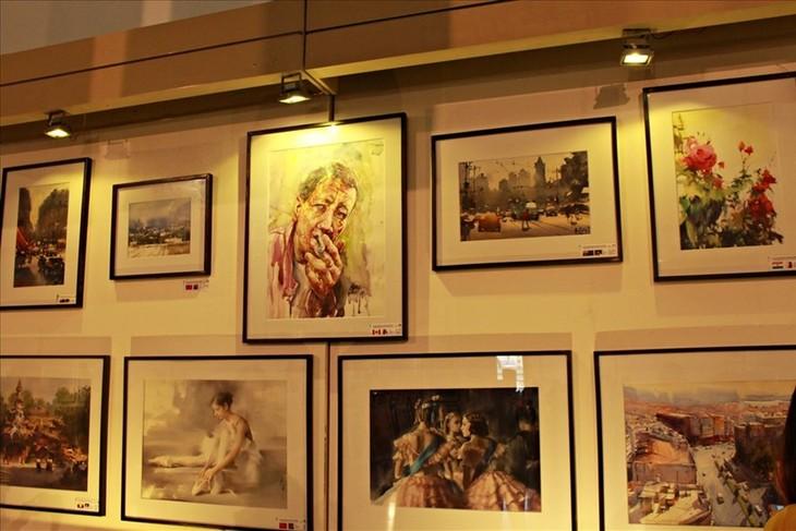Vernissage de la 2ème exposition internationale d'aquarelles - ảnh 1