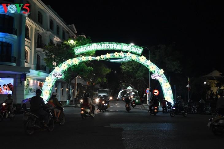 Huê-la ville festivalière  - ảnh 2