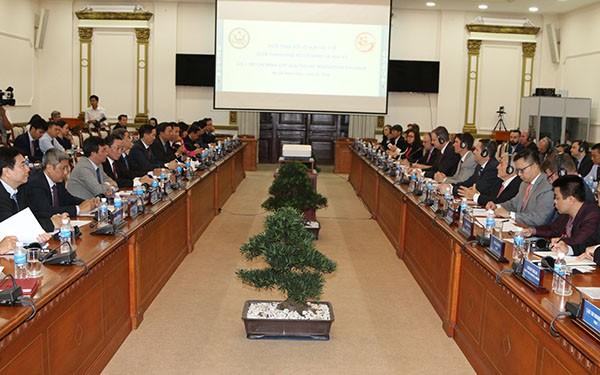Hô Chi Minh-ville renforce sa coopération avec les entreprises sanitaires américaines - ảnh 1