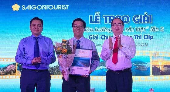 Tourisme: Remise des prix du concours «Profiter de l'identité vietnamienne» - ảnh 1