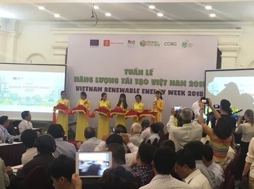 Lancement de la semaine sur les énergies renouvelables au Vietnam 2018 - ảnh 1