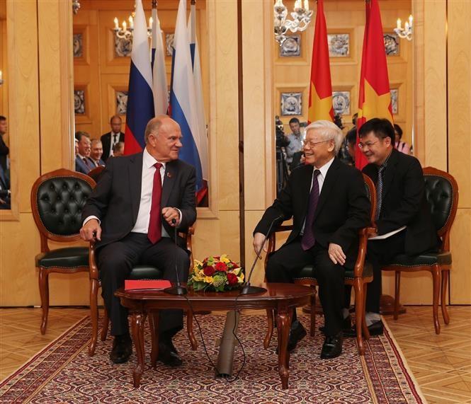 Nguyên Phu Trong rencontre le président du Parti  communiste de la Fédération russe - ảnh 1
