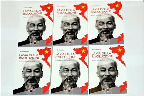 Publication du livre «Voie révolutionnaire» de Hô Chi Minh en Italie - ảnh 1