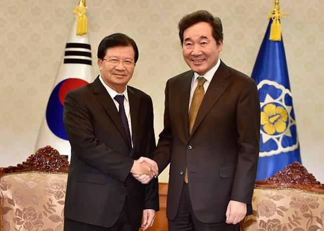 Le vice-PM Trinh Dinh Dung en visite en République de Corée  - ảnh 1