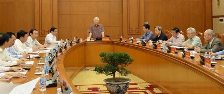 Réunion des élaborateurs des documents du prochain Congrès du Parti communiste vietnamien  - ảnh 1