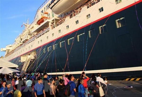 Le bateau de la jeunesse ASEAN - Japon Nippon Maru quitte Hô Chi Minh-ville  - ảnh 1