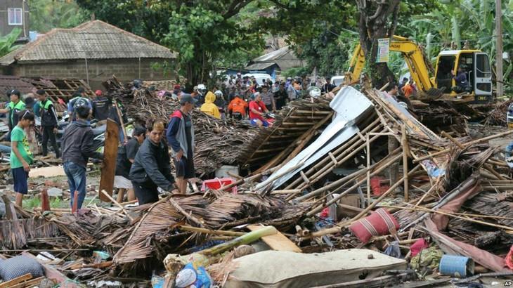 Indonésie: le lourd bilan du tsunami - ảnh 1