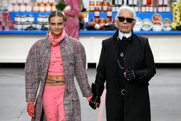 Lunettes noires sur la mode: Karl Lagerfeld est mort - ảnh 4