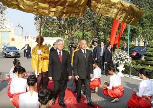 Nguyên Phú Trong entame sa visite au Cambodge - ảnh 1