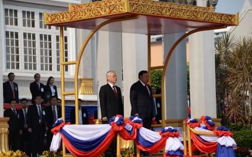 Le Vietnam et le Laos persistent dans la voie de l'indépendance et du socialisme - ảnh 1