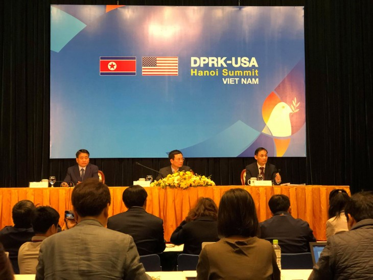Sommet USA-RPDC: Hanoï met en valeur sa politique extérieure - ảnh 1