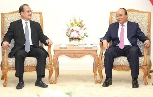 Nguyên Xuân Phuc: le Vietnam favorise l'implantation des entreprises hongkongaises - ảnh 1